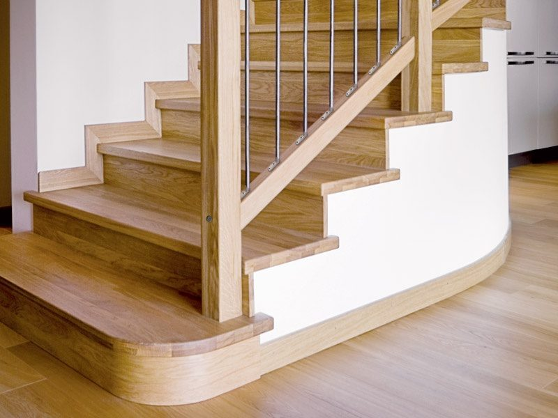 cladding-a-staircase-with-wood-flooring