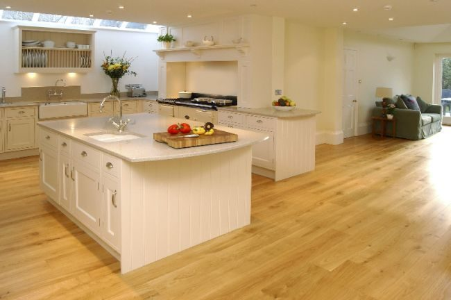 wood-flooring-in-the-kitchen
