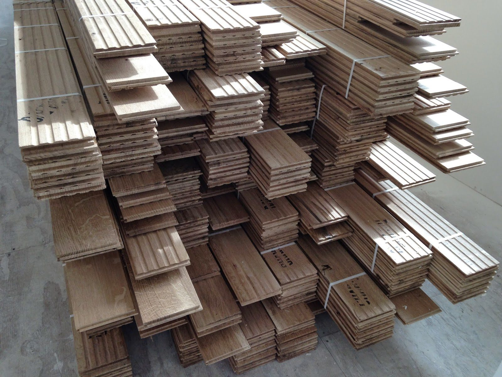 acclimating_the_floor|acclimataing_flooring|acclimation_the_floor_boards_in_the_boxes
